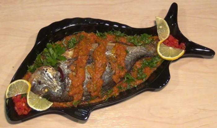 120301 700x415 اكلات عربية لذيذة السمكة الحارة