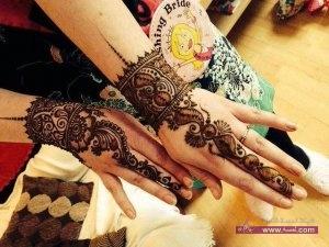 Eid Mehndi Designs For Girls And Women 4 300x225 أكبر مجموعة صور نقش حناء عربي و هندي و باكستاني حديث و متنوع 2016