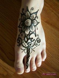 Feet Mehndi Designs Flower Mehndi Art 768x1024 225x300 أكبر مجموعة صور نقش حناء عربي و هندي و باكستاني حديث و متنوع 2016