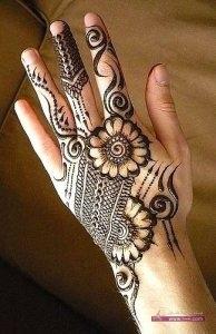 Stylish Colorful Eid Ul Fitr Mehndi Design 2014 for Girls 194x300 أكبر مجموعة صور نقش حناء عربي و هندي و باكستاني حديث و متنوع 2016