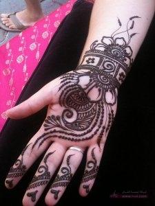 39640a7f2a51a125fb9c316c17c1d87e 225x300 نقوش حناء هندية للجسم العروس 2015 اجمل نقوش حناء جديدة 2016