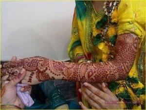 Best Eid Mehndi Designs 2015 For Girls 600x4501 300x225 نقوش حناء هندية 2015 اجمل نقوش حناء جديدة 2016