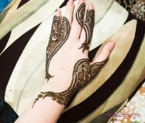 Khaleeji Henna Mehndi Designs2 300x253 نقوش حناء هندية للجسم العروس 2015 اجمل نقوش حناء جديدة 2016