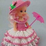 كروشيه لفساتين باشكال كثيره مع القبعات لالعاب العرائس