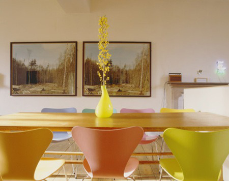 colorful dining room ideas with multicolored chairs1 طاولات طعام تحفه بجد