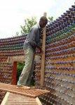 بناء بيت من القوارير الفارغه افكار خياليه