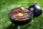 عملية الشواء من طرق الطهي الرائعة  والصحية للحوم والخضروات  ومع اقتراب العيد
