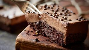 header image Article Main Image Fustany Chocolate Mousse Cake AR 300x169 طريقة عمل كيك موس الشوكولاتة