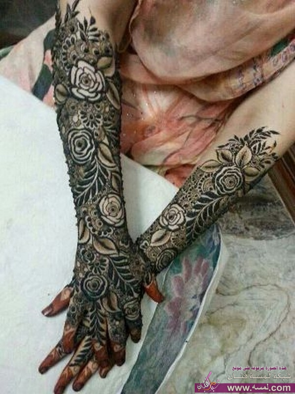 Beautiful-and-Best-Mehndi-Designs-For-Women4