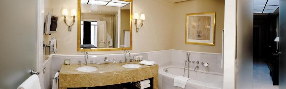 Diamond-Suite-Bathroom-960x300ر