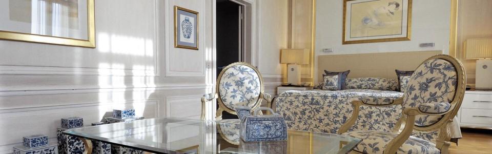 Diamond-Suite-Living-Room-960x300