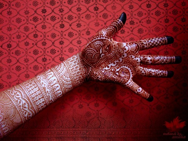Latest Mehndi Designs 2013 By Amelia 0015 نقوش حناء عرايس خليجية 2014   نقوش حناء ناعمه