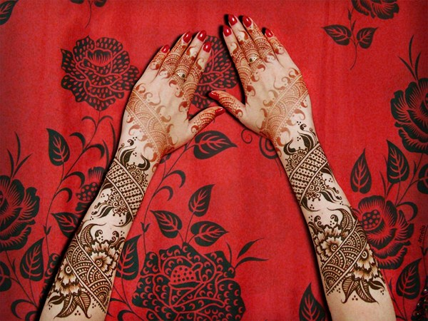 Latest Mehndi Designs 2013 By Amelia 005 نقوش حناء عرايس خليجية 2014   نقوش حناء ناعمه