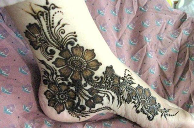 bridal-foot-henna-Designs-2012