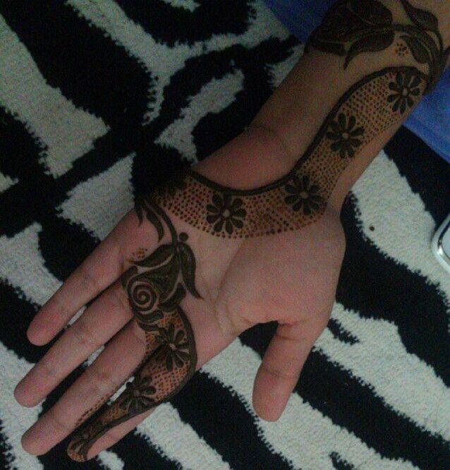 da84141a92d00a1b0278708f5887dce5 نقش حناء خليجي بحريني انيق جدا للعروس وللعيد نقوش حناء بسيطة 2014