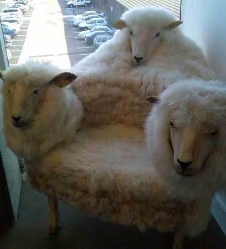 strange chair1 ديكورات غريبة وجميلة لغرف نوم الاطفال   لغرف الأطفال ديكورات غريبة وجميلة